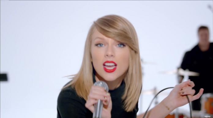 """Source: Capture d'écran de la vidéo""""Taylor Swift - Shake It Off"""" publiée par TaylorSwiftVEVO sur Youtube."""